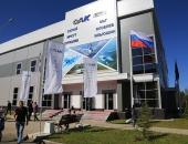 Флаг России и Министерства обороны на мачтах флагштоках, флаги с логотипом на телескопических мачтах
