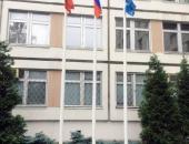 Флагштоки из стекловолокна с флагами размером 90х135 (школа им. С. Есенина)