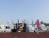 Вертикальные флаги России, Московской области, фирменные флаги на уличных флагштоках