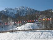 Флаги стран мира и алюминиевые флагштоки на Олимпийском объекте