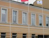 Флаги РФ, субъекта РФ и произвольного дизайна на мачтах флагштоках